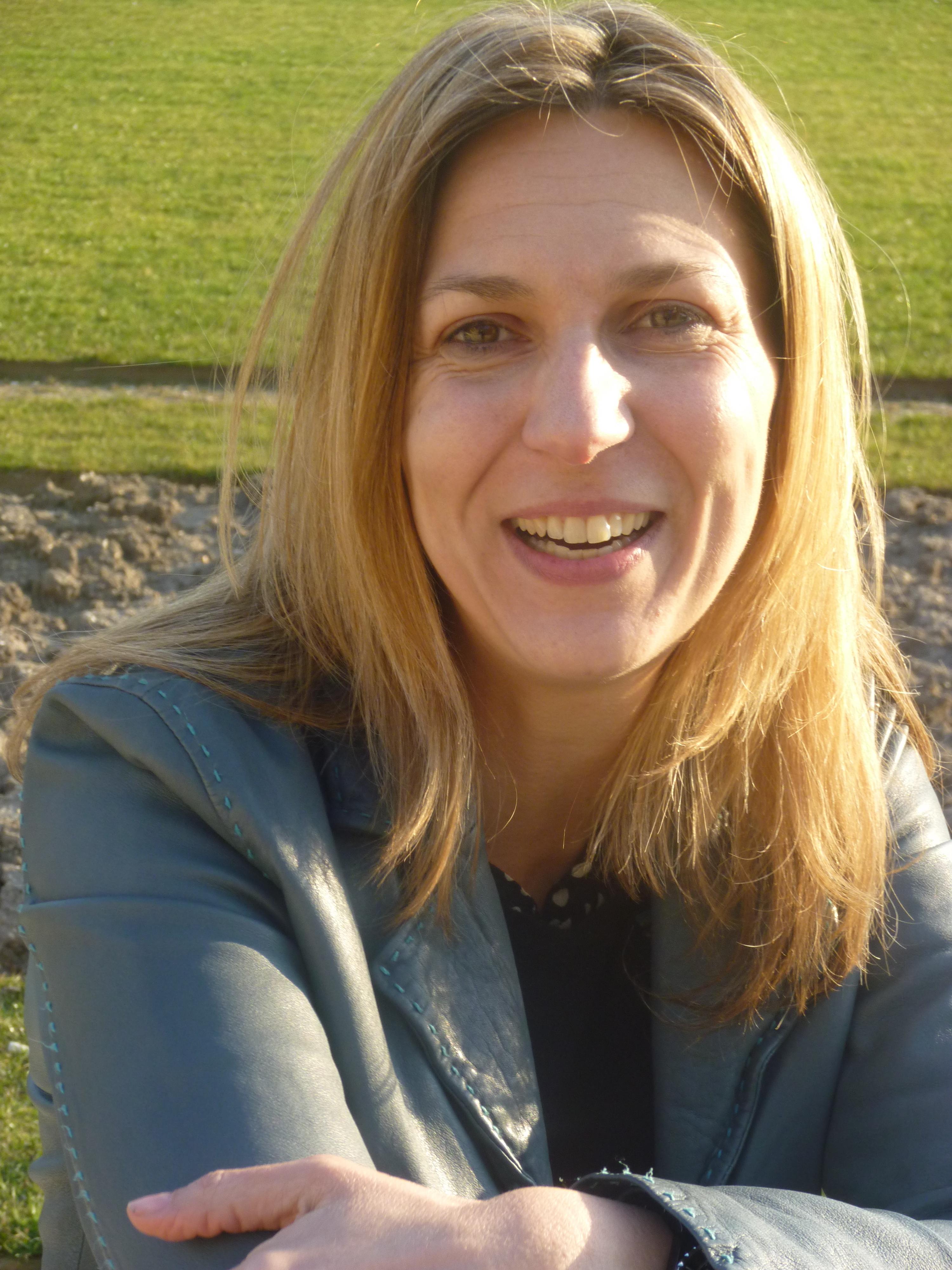 <b>...</b> Elisabeth Dumont-<b>Le Cornec</b> est désormais auteur de livres documentaires <b>...</b> - dumont_lecornec1